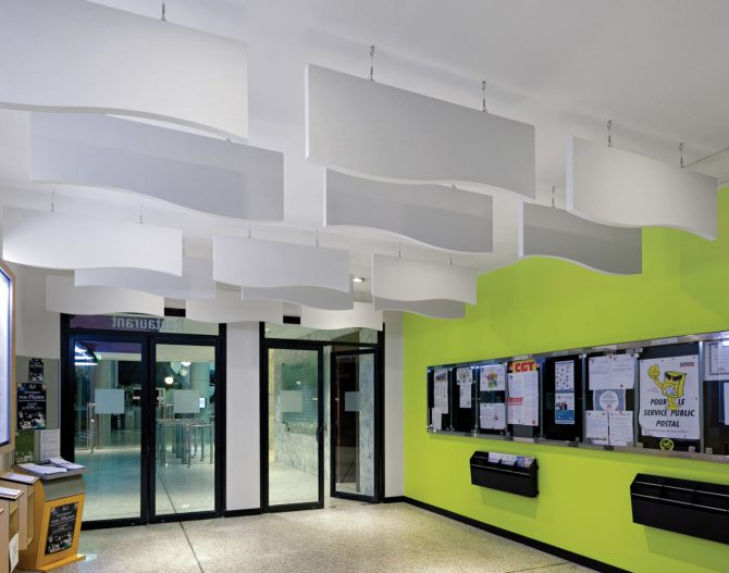 plafond Blois mineral baffles forme spécifique